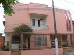 Casa duplex com piscina e sauna na Mata da Praia.
