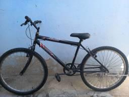 Bicicleta semi-nova sem defeitos