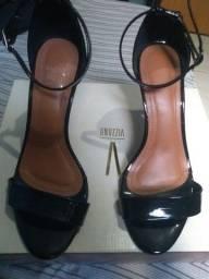 Sapato de salto alto
