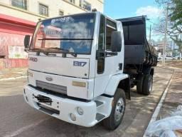 Título do anúncio: Caminhão 1317 Caçamba