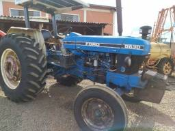 Trator New Holland, 5630