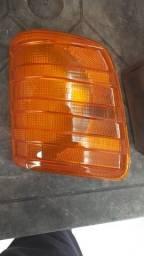 Lanterna dianteira para caminhão Mercedes