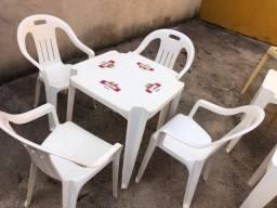 Conjunto Mesas e cadeiras Brahma