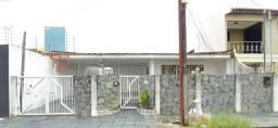 Título do anúncio: !! Casa no Grageru prox ao colégio Salvador !!