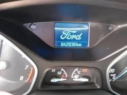 Ford Focus impecável - 2015