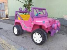 Jeep eletrico Barbie .?