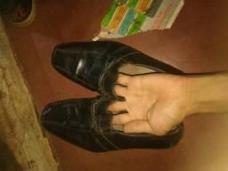 Desapego um par de sapato social