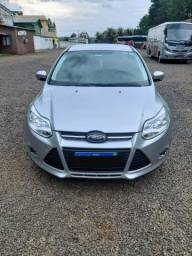 Vendo ford focus hatch Se plus - 2015