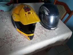2 capacetes um de trilha top amarelo 80 reais os dois *