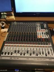 Mesa de som XL1600 Behringer