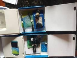 2 Caixa Nokia N8 com acessórios