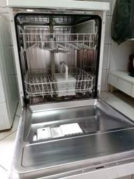 Máquina lavar louças
