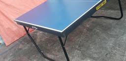 Mesa de tênis de mesa oficial.