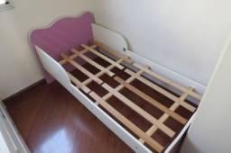 Mini-cama com colchão D23 em ótimo estado