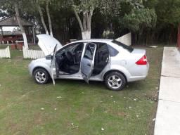 Fiesta sedan personalite