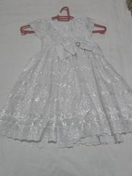 Vestido cambraia bordada