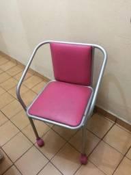 Cadeira com rodinha acolchoada