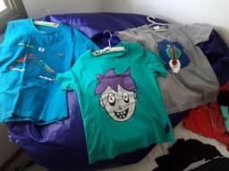 3 Camisas Bbbasico tamanho 6 anos