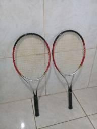 Raqueti de tênis. Nova