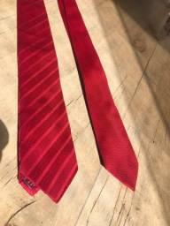 2 gravatas vermelhas Aduana e TNG