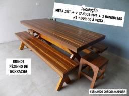 mesa 2mt + 2 bancos 2mt + 2 banquetas baixas em madeira Pura