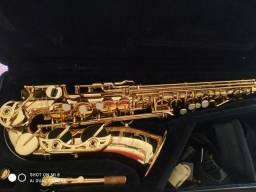 Saxofone YAS 62
