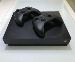 Xbox OneX 1 Tb 4k + 2 controles