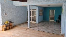 Título do anúncio: Casa pra alugar, 3 quartos no bairro Bernardo Monteiro, Contagem. Excelente.