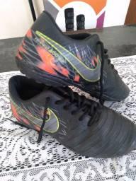 Título do anúncio: Chuteira Nike, Número 36, Futebol Society
