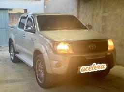 Vendo Toyota  Hulk CD SR 4x2 2.7 16v Flex MEC