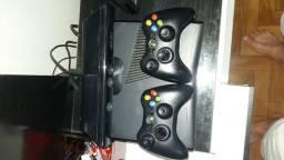 Xbox 360 travado em perfeito estado de conservação