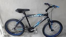 Bicicleta aro 20 Samy menino semi nova