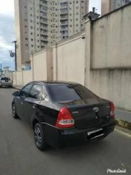 Toyota Etios X Sedã 1.5 14/15 - 2015