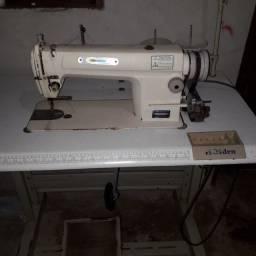 Máquina de costura holden