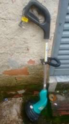 Vendo uma máquina de cortar grama