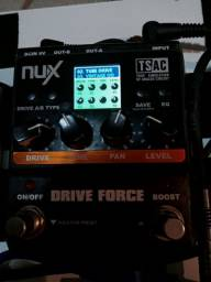 Pedal NUX Drive Force com Booster