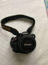 Maquina fotografica semi nova d3200