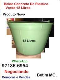 Título do anúncio:  Balde de Plastico reforçado- 12 Litros- Novo- Comercio Oficina Empresa