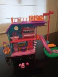 Casa da Polly com a boneca
