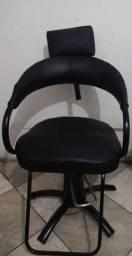Título do anúncio: VENDE - SE CADEIRA HIDRÁULICA (ACEITO OFERTA)