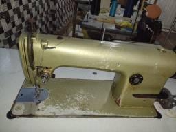 Máquina de costura industrial.