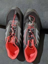 Tênis Adidas Terrex