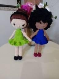 Bonecas em crochê (amigurumi).