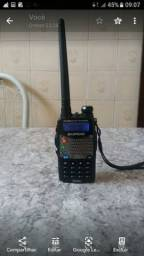 Radio Baofeng VHF e UHF com carregador novo na caixa