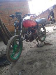 Vendo uma moto Hunter com o motor da pop 100 adaptado..
