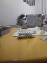 Título do anúncio: Guitarra strato