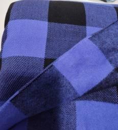 Título do anúncio: Peça Tecido Lã Xadrez Azul Com Preto Medindo 4,50m X 1,40m