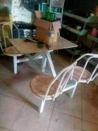 Mesa comjulgada com 4 acento