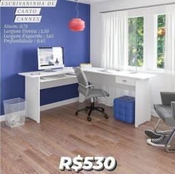 Mesa espaçosa branca