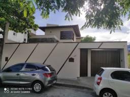 Casa 5 quartos e 3 suítes para locação no Jardim Armação